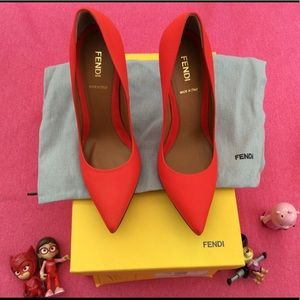 Authentic Fendi Leather Pointed Pumps